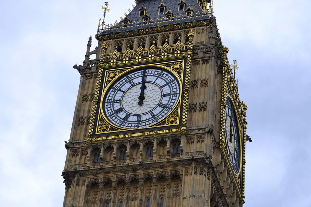 GET AROUND LONDON EASILY