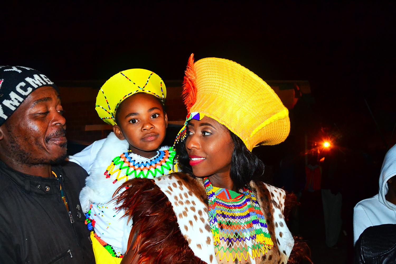 Zulu traditional dress in zulu kraal kwazulu natal - Zulu Queen Wear African