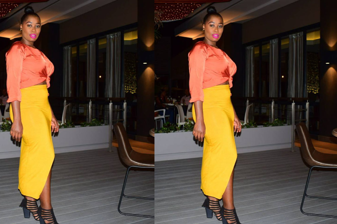 yellow skirt with slit style