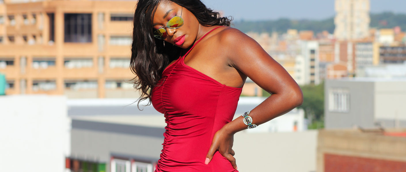 red dresses for curvy girl, red dress curvy girls